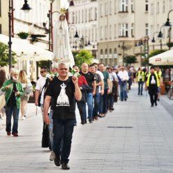"""""""Męski Różaniec"""" na ulicach Rzeszowa"""
