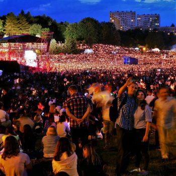 Koncert Jednego Serca Jednego Ducha w Parku Sybiraków w Rzeszowie