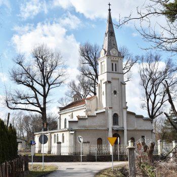 Profanacja kościoła na osiedlu Budziwój. Rozmowa z ks. Mieczysławem Lignowskim