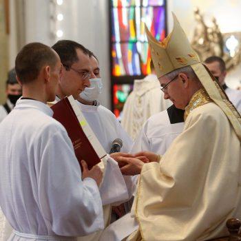 Święcenia kapłańskie w katedrze rzeszowskiej
